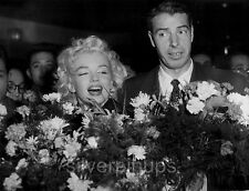 Orig '54 MARILYN MONROE - JOE DIMAGGIO Newlyweds Arrive in Tokyo.. CANDID PRESS