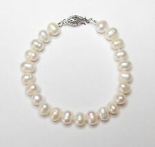 WHITE CULTURED FRESHWATER PEARL HAND-KNOTTED BRACELET AND PEARL EARRING SET