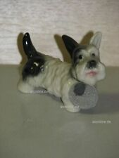 +# A015771_01 Goebel Archiv Muster Arbeitsmuster Hund Dog Terrier CH81 Plombe