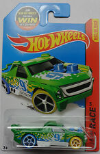 2015 Hot Wheels HW RACE Fig Rig 152/250 (Green Version)