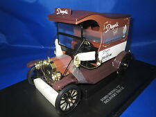 "Universal Hobbies  Ford Model ""T"" Delivery Truck (braun/weiß) 1:18  OVP"