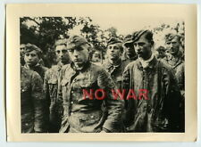 WWII ORIGINAL WAR PHOTO GERMAN YOUNG ELITE DIVISION SOLDIERS IN CAMO POWs