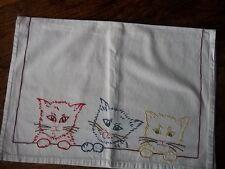 Pochette pour lingerie ou  pyjama trio de chats, linge ancien
