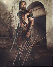 MANU BENNETT Signed 10x8 Photo SPARTACUS War Of The Damned COA