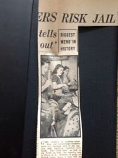 M63-1 Ephemera Ww2 1940 Article Girl Cobblers In London Make Army Boots