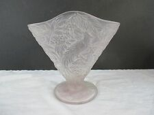 PHOENIX CONSOLIDATED 'BIRD OF PARADISE' ART GLASS FAN VASE LILAC COLOR