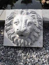 ancienne face en pierre bleu d une fontaine , a voir !!! sablé !!!