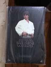 HOT TOYS LUKE SKYWALKER STAR WARS