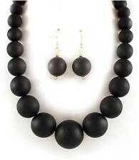 BLACK COLORED LUCITE BEAD GRADUAL NECKLACE EARRING SET