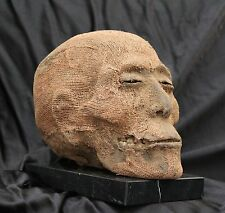(O) Egyptian mummified head / Cabeza momificada egipcia (oddities)