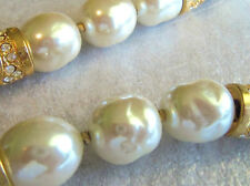 VINTAGE CREAMY WHITE BAROQUE PEARL LEATHER & CRYSTAL CHOKER NECKLACE SO PRETTY!