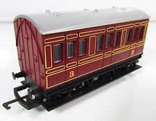 OO Gauge Hornby Maroon 4 Wheel Coach 3rd Class UNBOXED.