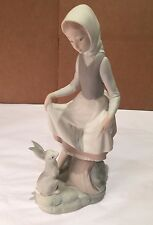 "LLADRO - ""RABBITS FOOD"" GIRL W/ BUNNY FIGURINE, MATTE FINISH #4826, EXCEL. COND."
