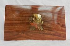 Caja de Madera con Latón Pirata/Calavera y espadas cruzadas con incrustaciones de Decoración-Nuevo Y En Caja