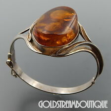 VINTAGE ARTISAN STERLING SILVER OVAL BALTIC COGNAC AMBER HINGED BANGLE BRACELET