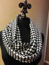 Alabama Crimson Tide Inspired Cashmere Feel Infinity Scarf!  Black and White