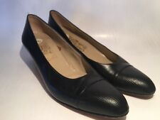 SALVATORE FERRAGAMO Heels Sz 8 Snakeskin Leather Shoes Pump Black Classic Narrow