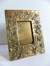 SUPERB ANTIQUE ART NOUVEAU BRONZE PICTURE FRAME INSECTES FLOWERS in RELIEF 1900