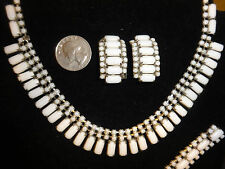 Vintage White Milk Glass Necklace, Bracelet & Clip On Earrings Set