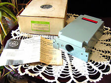 GE General Electric3S7505PS700C6Photoelectric DPDT Control w/Optional Time Delay