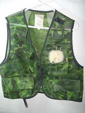 MENS SPORTFLITE GREEN CAMO CAMOUFLAGE NET FLY FISHING VEST & FLIES SIZE L 48