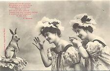 Damen mit einem Hasen Foto-AK, um 1900/10
