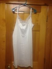 "Vassarette full-slip size 44/26"" in white"