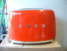 Smeg TSF01RDUK RED 50's Retro Style 2 Slice Toaster-Customer Return-Dent on Top