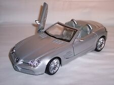 Mercedes SLR Roadster + MB Collection + 1:18