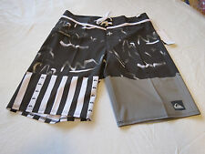 Quiksilver boardshorts 33 board swim shorts trunks Men's Remix the mix 33x20 NEW