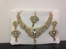 New bollywood necklace with earrings and tikka set in Gold and white Party