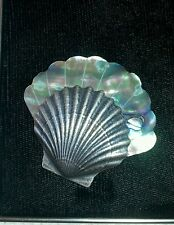 NAUTICAL  SCALLOP SHELL MOTHER PEARL CARVED ABALONE GREEN MOP BROOCH PIN 7a 42