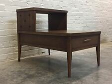 BROYHILL SAGA MID-CENTURY MODERN 2-TIER END TABLE / NIGHTSTAND ~ ATOMIC LOOK