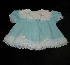 PRECIOUS VINTAGE TAWIL BABY DRESS PEEKABOO BACK LOTS OF LACE 3-6 M EVC