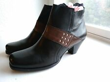 Fidji Leather, 9/40 from Portugal, New with Box, Black Ankle Boots, Low Heel