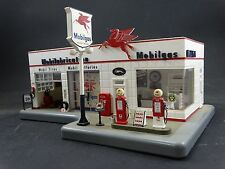 Danbury Mint Mobil Gas Service Station Model Light Up Clock Gasoline Gas Pump