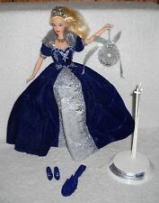 #7062 New Displayed Mattel Happy Holiday's 2000 Millenium Princess Barbie