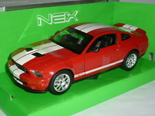 2007 Shelby Cobra GT500 1:24 Red with White stripes by Welly
