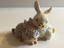 Herend Pair of Bunny Rabbits Mixed Butterscotch Chocolate Fishnet Figurine 15584