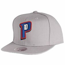 Mitchell and Ness NBA Detroit Pistons Gray Team Logo Old School Snapback Cap