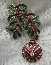 VINTAGE MONET CHRISTMAS RED HOLLY BERRIES DANGLE BULB CRYSTALS BROOCH PIN