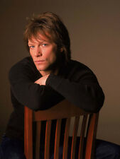Jon Bon Jovi UNSIGNED photo - D1908 - SEXY!!!!!