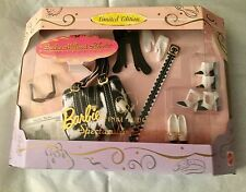 "BARBIE'S"" BLACK & WHITE FINAL TOUCHES"" ACCESSORIES TO DRESS UP A BASIC OUTFIT!"