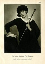 Die junge Tänzerein Lys Trauborg Studie in Samt von Angelo Budapest c.1930
