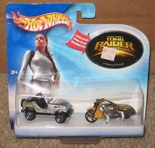 HOT WHEELS TOMB RAIDER LARA CROFT 2 PIECE JEEP AND BIKE SET 1:64