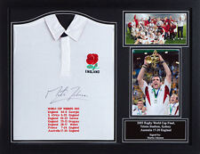 MARTIN JOHNSON FRAMED SIGNED ENGLAND RUGBY SHIRT WITH WORLD CUP EMBROIDERY PROOF