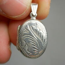 SOUTHWESTERN Oval Etched Sterling Silver LOCKET 925 Vintage Estate Pendant