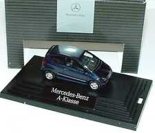 1:87 Mercedes-Benz A-Klasse 3türig W169 apollblau blau - Dealer-Edition - Wiking