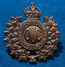 CANADA WW2 Queen's University Canadian Officer's Training Corps COTC cap badge