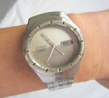 RARE VINTAGE MEN SEIKO DESIGNER OVAL SHAPED SPORTS AUTOMATIC WRIST WATCH JAPAN